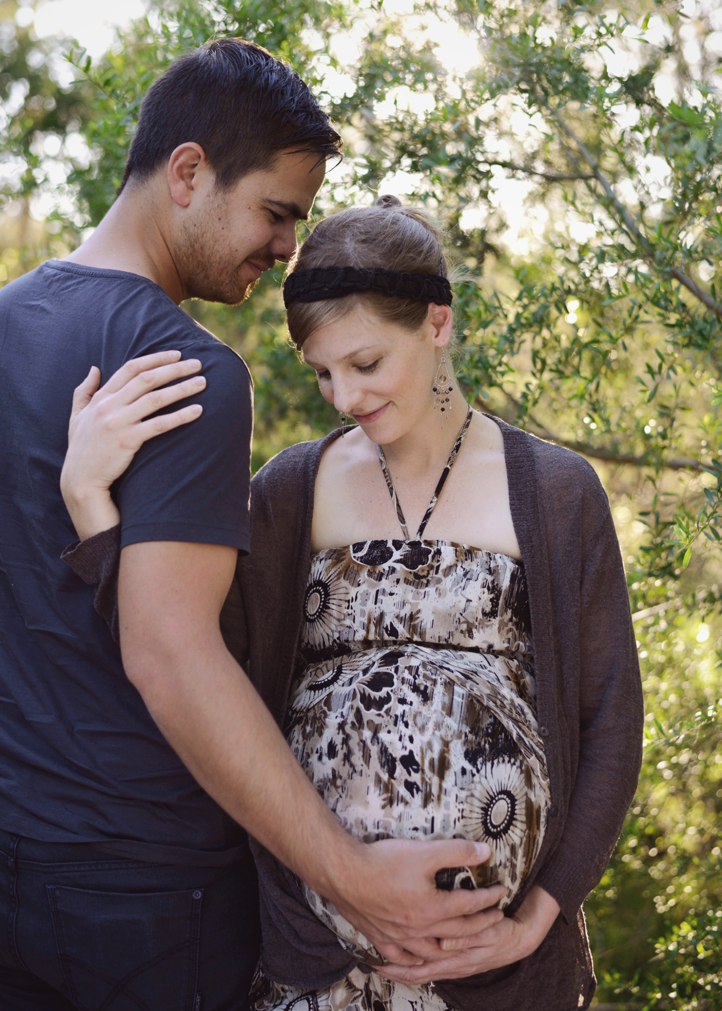 outdoor couple maternity